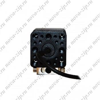 светодиодные-фары-SFL-110-(HML-0810-угол-свечения-8-40-градусов)-вид-сзади